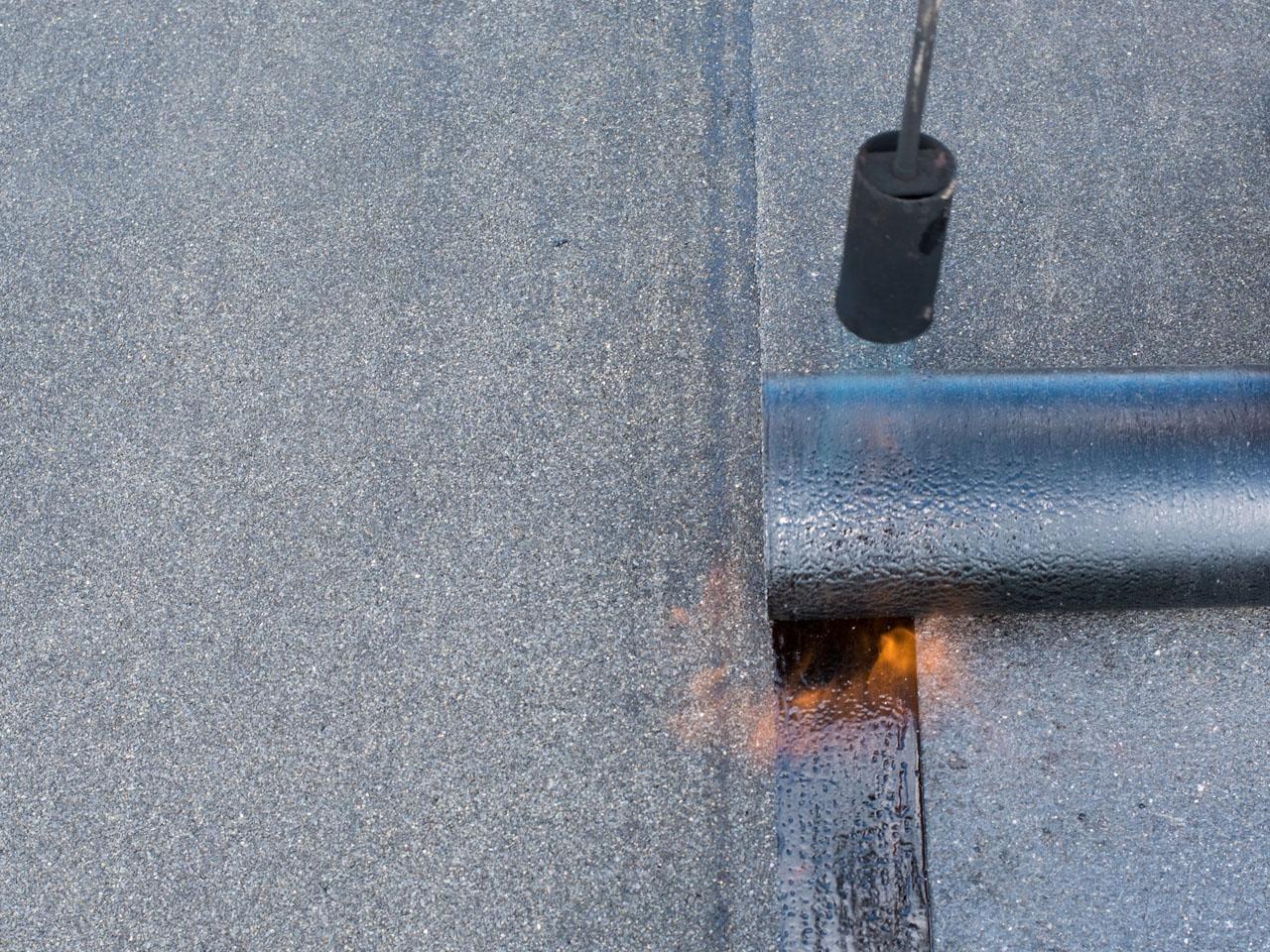 Entrepreneur en pose de toiture en membrane élastomère à Oka - Toitures Mathieu Gravel à St-Joseph-du-Lac